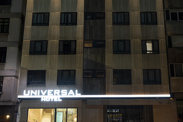 hotel universal noche